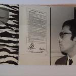 5-Antofagasta-frente-al-afiche-de-la-exposicion-de-Ediciones-Mimbre-en-1972.jpg
